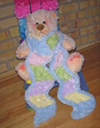 Fuzzy_scarf_bear